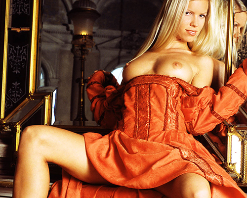Madame Jenny blonde Prostituierte in Berlin feste Titten sucht ein Mann